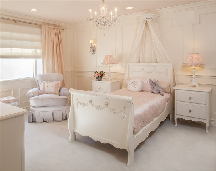 Mia039s Room
